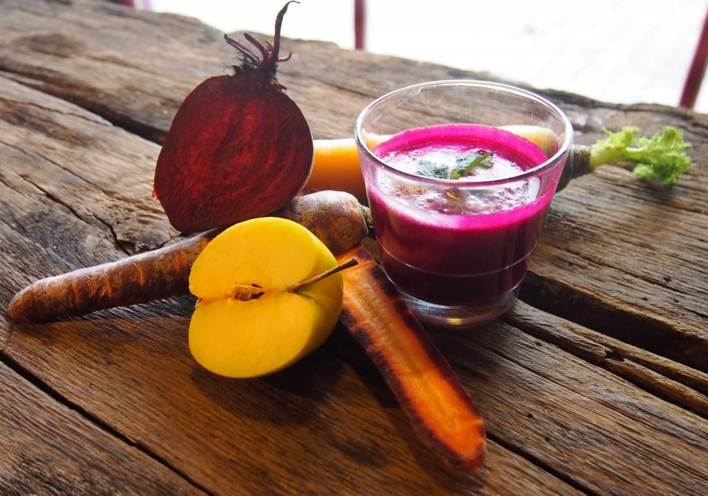 Rote Beete-Apfel-Karotten Smoothie
