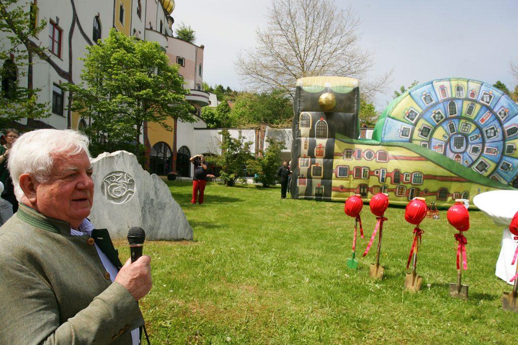 Grundstein Schneckenhaus Feierlichkeiten zu 20 Jahre Rogner Bad Blumau © Hundertwasser Architekturprojekt, Rogner Bad Blumau/APA-Fotoservice/Hautzinger Fotograf: Peter Hautzinger