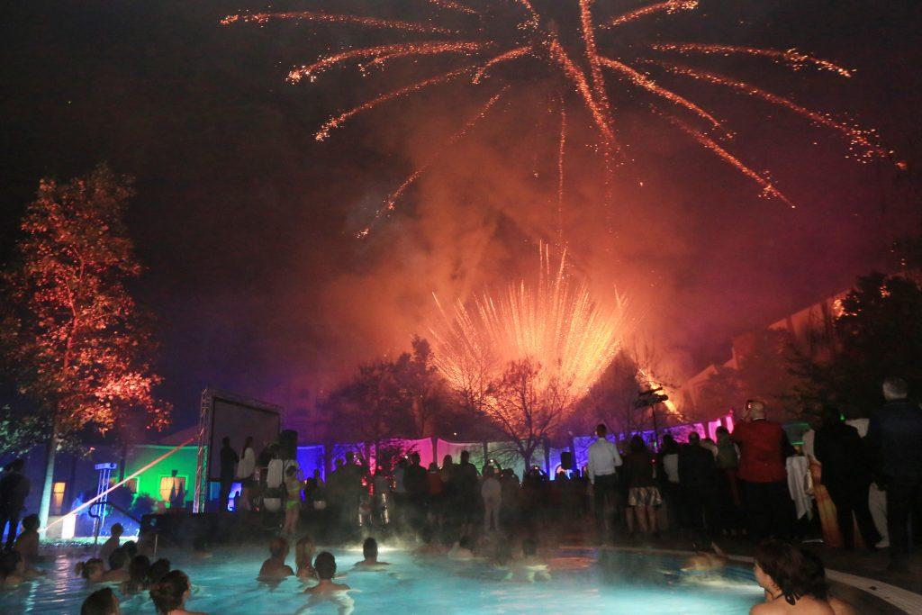 Feuerwerk 20 Jahre Rogner Bad Blumau © Hundertwasser Architekturprojekt