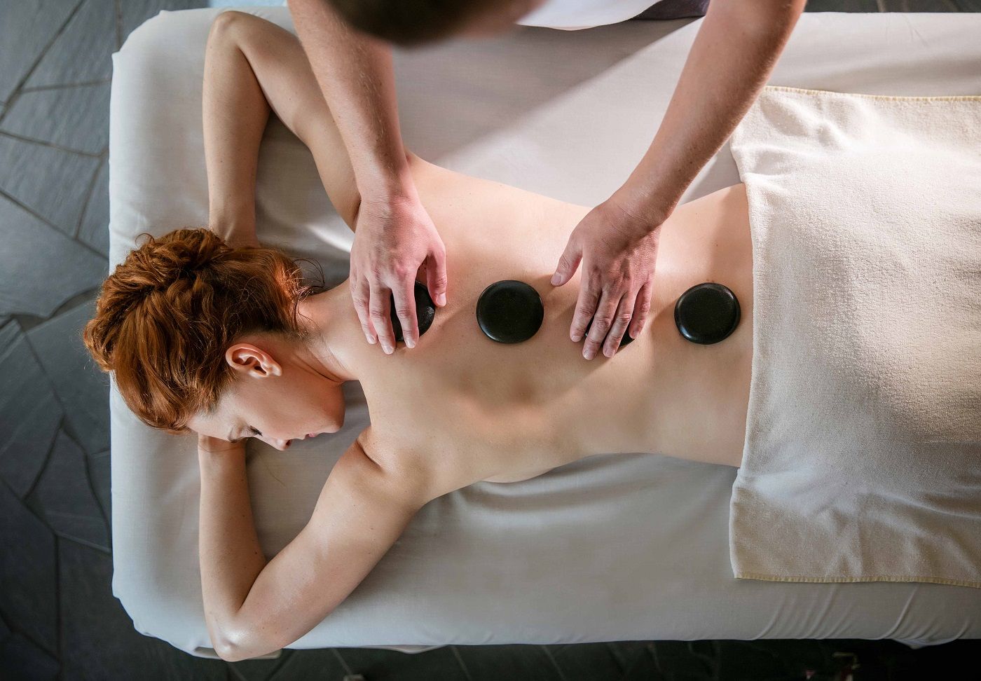 Hot Stone Massage blumau.com